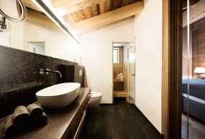 Bathroom in hotels in St. Anton - Galzig Lodge